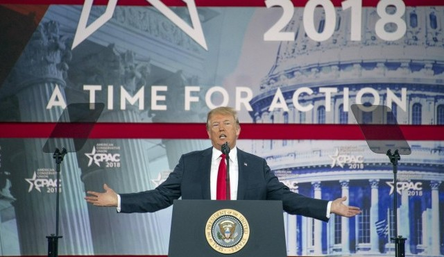US-Präsident Donald Trump spricht auf der Conservative Political Action Conference (CPAC) im Gaylord National Resort and Convention Center in National Harbor, Maryland. (imago / Ron Sachs/CNP/AdMedia)